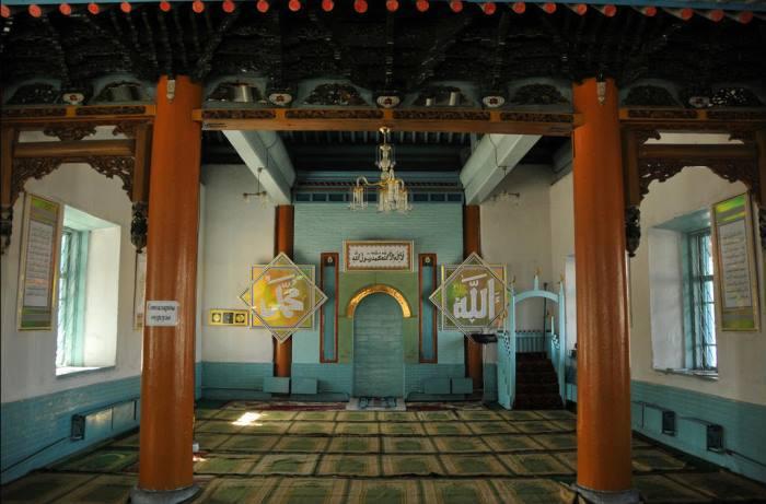 Дунганской мечети в городе Каракол